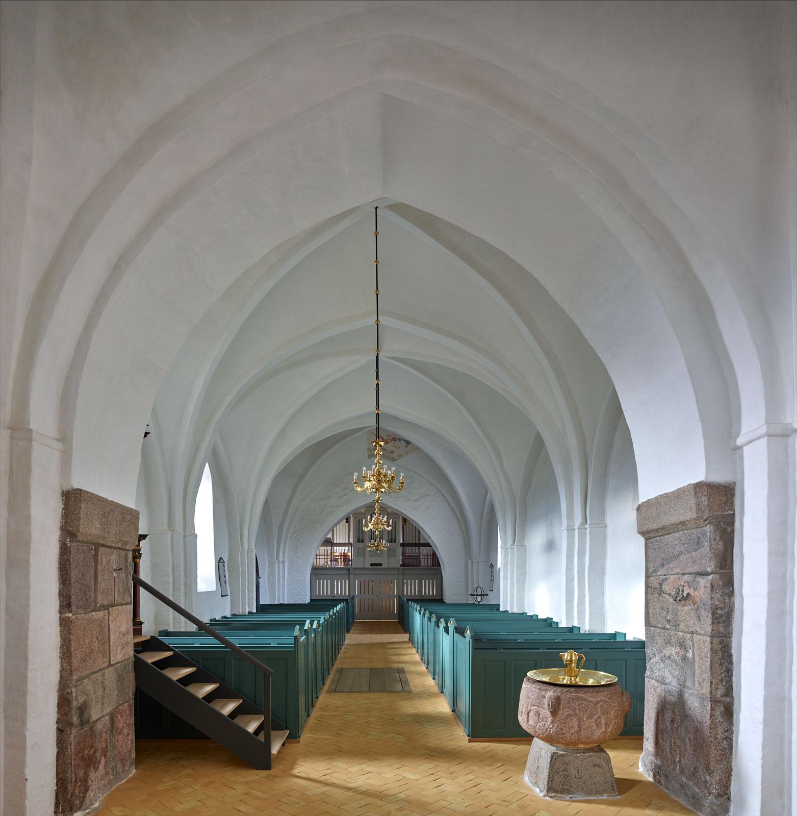 Interiør fra Mørke Kirke