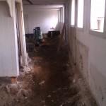 Alle væggene væltede fra bryggers gennem de tre værelser