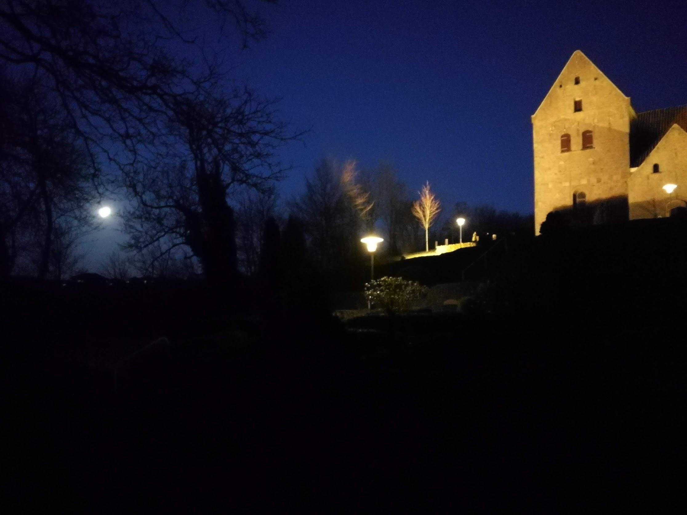 Mørke Kirke i mørke